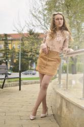CAMEL SKIRT | GOLD DETAILS | SEQUINS
