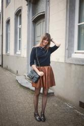 Outfit: bronze skirt and embellished collar