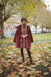 Outfit: beaded boots and beret, featuring Christmas lights