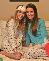 HOLIDAY PJs + 10 COZY GIFTS + HOLIDAY GIVEAWAY #4