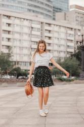 Summer look with short ruffle skirt and white t-shirt
