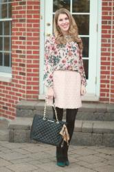 Floral Blouse & Lace Skirt & Confident Twosday Linkup