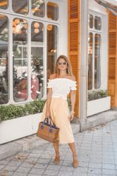 CROPPED TOP BLANCO Y FALDA MOSTAZA