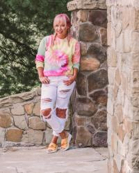 6 Tips For Journal Writing + Tie Dye Sweatshirt & Bzees Sandals
