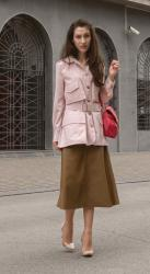 This Fall Faux Leather Skirt Outfit Is Perfect for Work